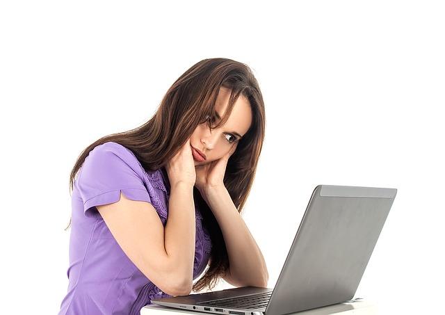 Znate li kako društvene mreže UNIŠTAVAJU vaš ljubavni život?