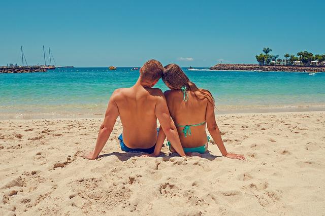 Turisti, oprez: Za šetnju bez majce platićete 500, u kupaćem 600 evra?