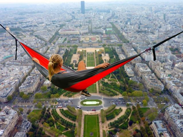 Turisti bez straha: Evo koliko je ljudi posetilo Pariz u 2017.