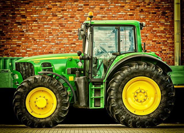 SAD: U traktorskoj prikolici 8 tela, trgovina ljudima