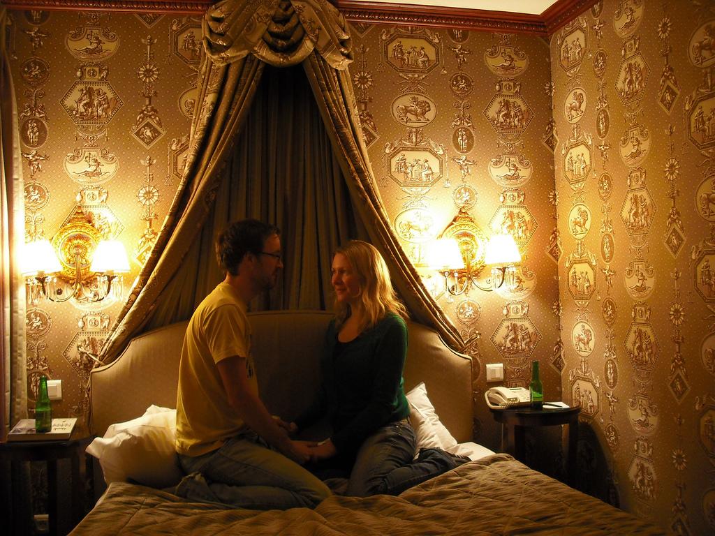 Kako pametno, uspešno i BEZBEDNO imati ljubavnicu?