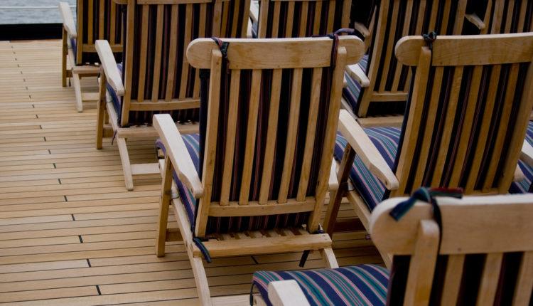 Zašto izvozimo daske umesto stolica?