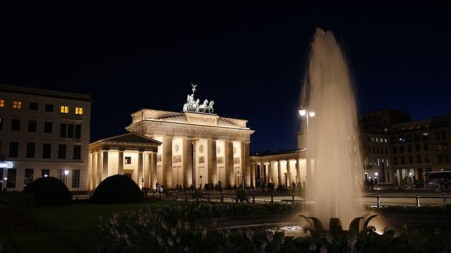 Berlin Vašingtonu: Razgovarajmo o sankcijama Rusiji