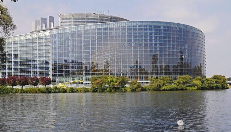Han: Srbija može u EU i pre 2025. godine