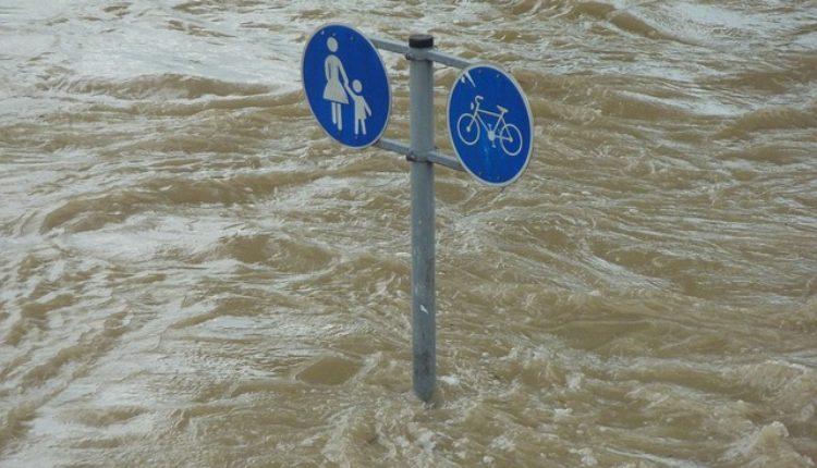 Katastrofa na katastrofu: Preti eksplozija u poplavljenom hemijskom postrojenju u Hjustonu