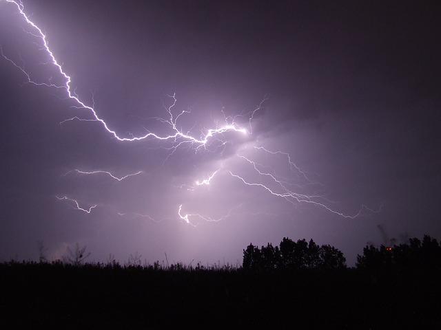 Nova katastrofa: Četiri žrtve tropske oluje Lidija, a uragan Irma tek nadolazi