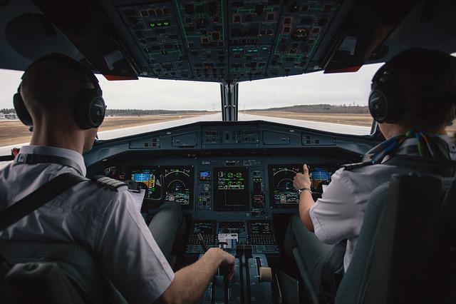 Uključio autopilot, onesvestio se i bez svesti leteo 40 minuta