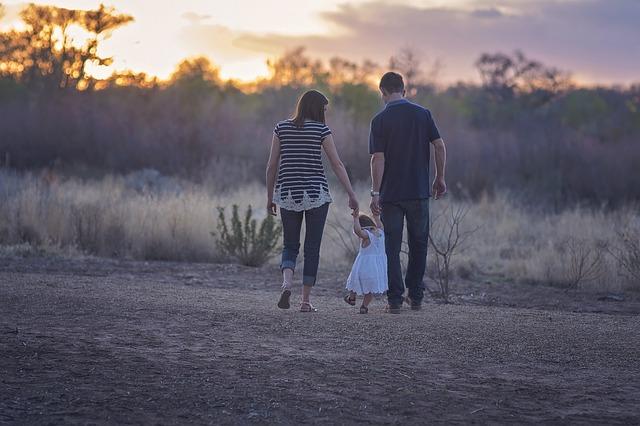 Odlaganje roditeljstva i vantelesna oplodnja