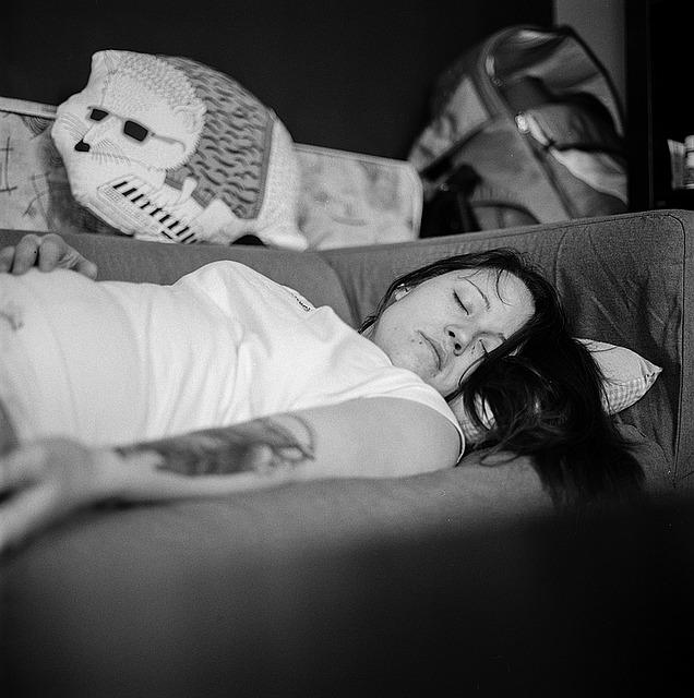 Spavanje u ovom položaju olakšaće menstrualne tegobe