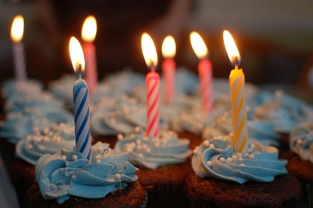 Svi to volimo, ali – duvanje svećica na torti zapravo je prilično odvratno