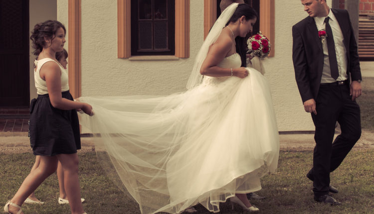 Skandal na svadbi: Kum udario mladu, vukao je po stepenicama i napao svatove