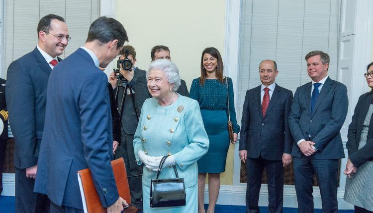 Da li nešto sluti? Tajni govor kraljice Elizabete za Treći svetski rat