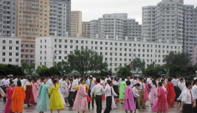 Srpski turisti u poseti Severnoj Koreji: Vođe kao bogovi