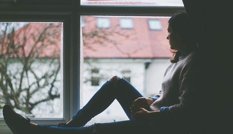 Alarmantan porast mladih u depresiji: prevencija, simptomi, pomoć