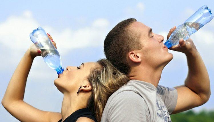 SZO istražuje moguću štetnost plastičnih flaša