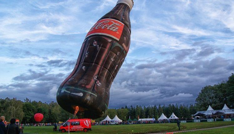 Ko nađe, dobija milion dolara: Koka-Kola traži zamenu za šećer
