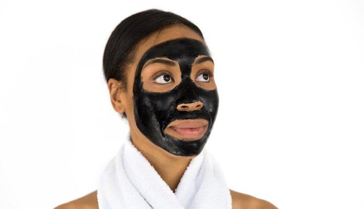 Očistite i zategnite lice pomoću kafe