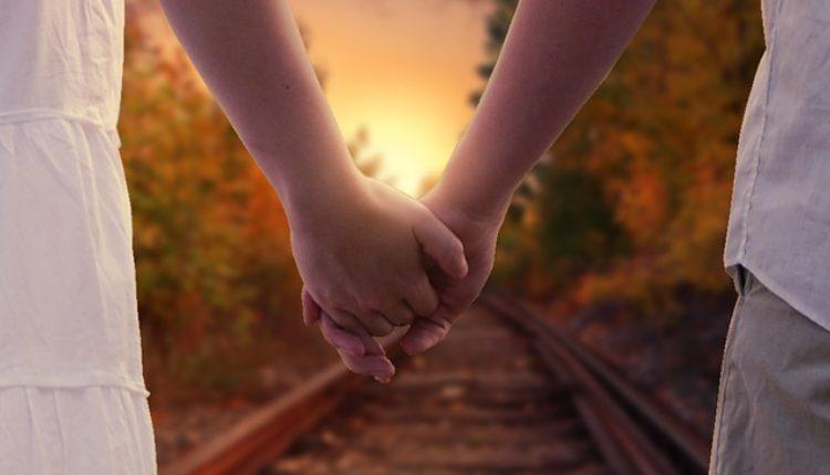 Način na koji se držite za ruke otkriva dosta o vašoj vezi