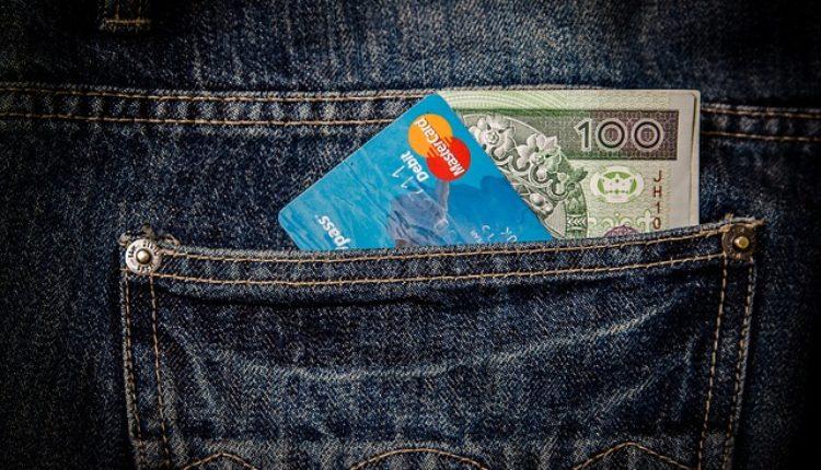 Prosečna novembarska neto plata 47.575 dinara, veća 1,5%