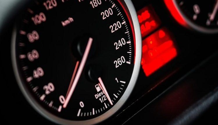 Poznati proizvođač automobila ograničava brzinu svojih vozila na 180 km/h