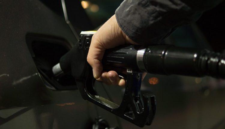 Eksplodirale cene nafte zbog Trampovog tvita Rusiji