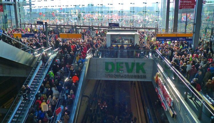 Nemci u panici: Treba nam MILION radnika, 1.000 evra onom ko nam dovede jednog