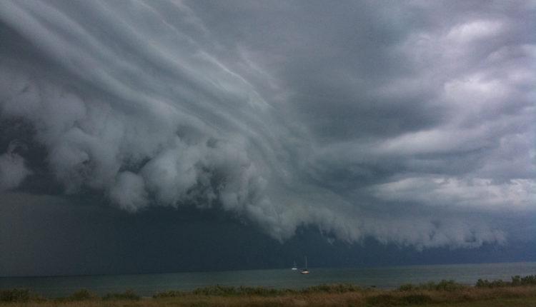 Hitno upozorenje na razornu oluju