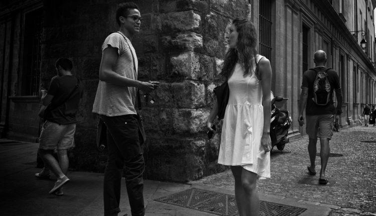 Da li su svaki flert i dodir seksualno uznemiravanje?