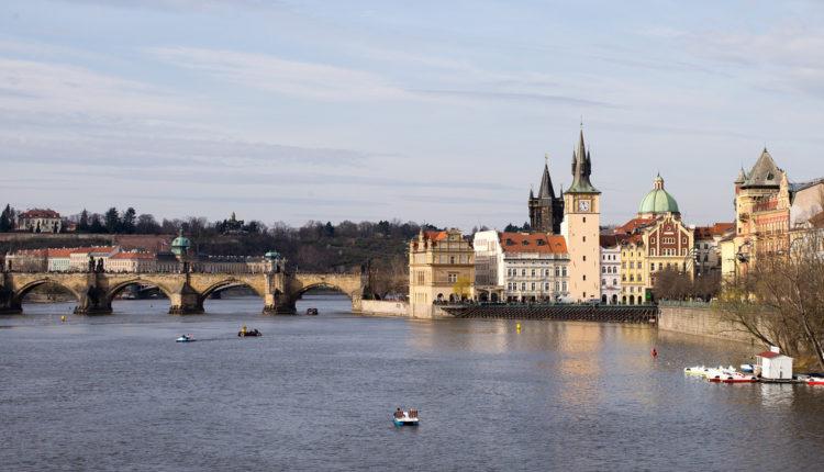 """Nova """"plišana revolucija"""", samo u Pragu – šta žele Česi?"""