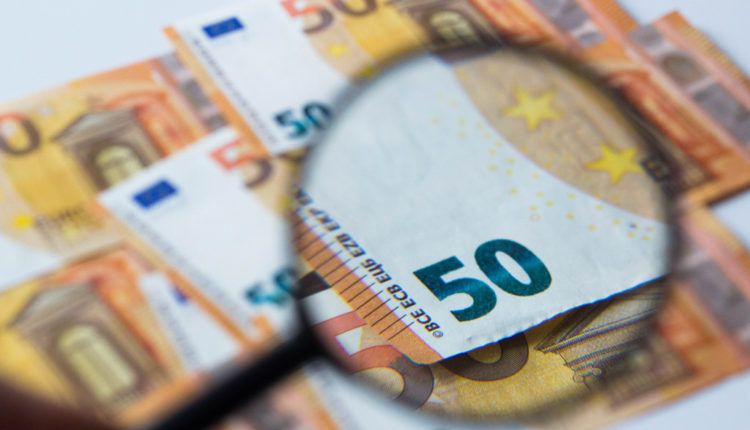 Evo kako da uzmete pare od provizija koje su vam banke nezakonito naplatile!