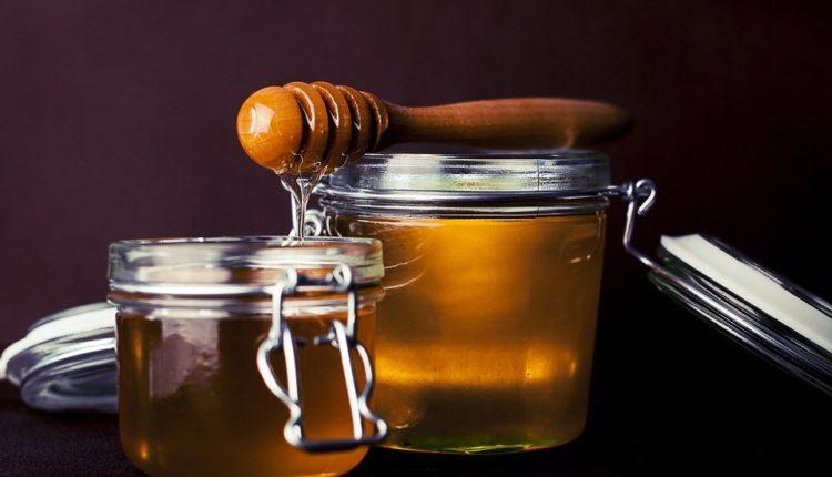 Najdugovečnija namirnica: Med će ostati svež ZAUVEK ako uradite ovo