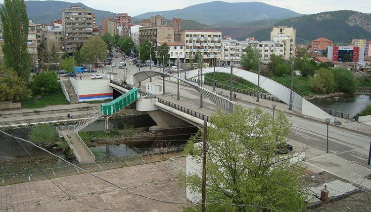 Mitrovica strepi: Brisel izaziva nasilje u jedinoj gradskoj ulici gde su Srbi