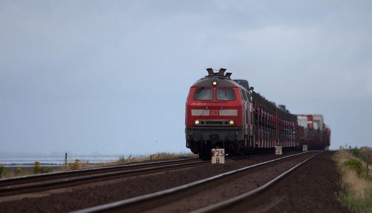 Ispisana istorija: Ispraćen poslednji voz sa Glavne železničke stanice