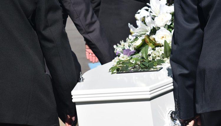 Šok: Pojavio se na sopstvenoj sahrani