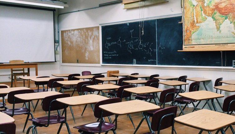 Šarčević: Ove godine nema povratka u školske klupe