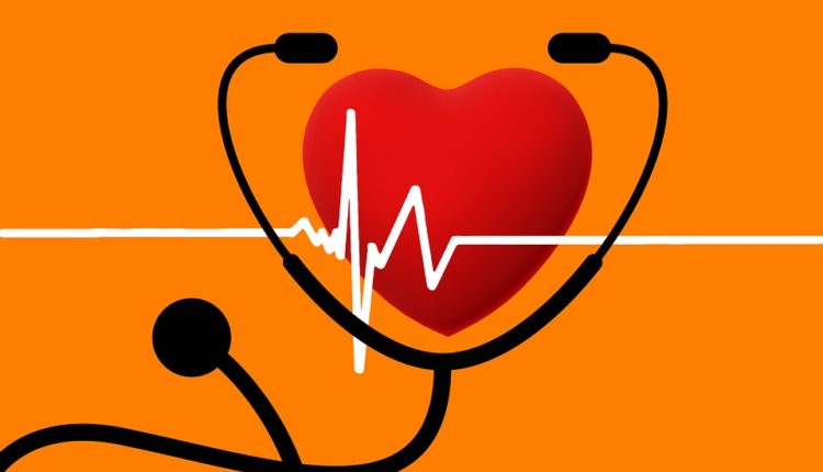 Kako prepoznati PODMUKLE simptome srčanog udara?