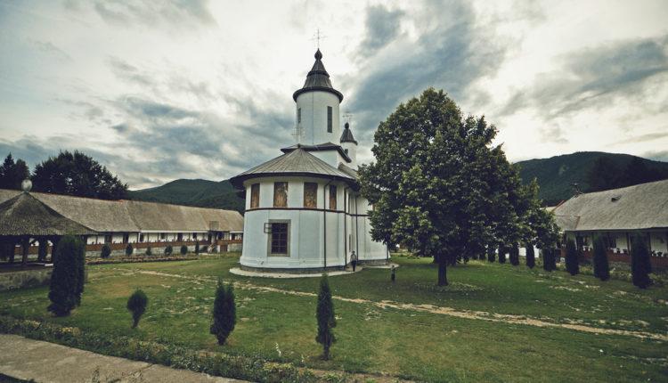 Novi zakon u Crnoj Gori – prenizak udarac za SPC