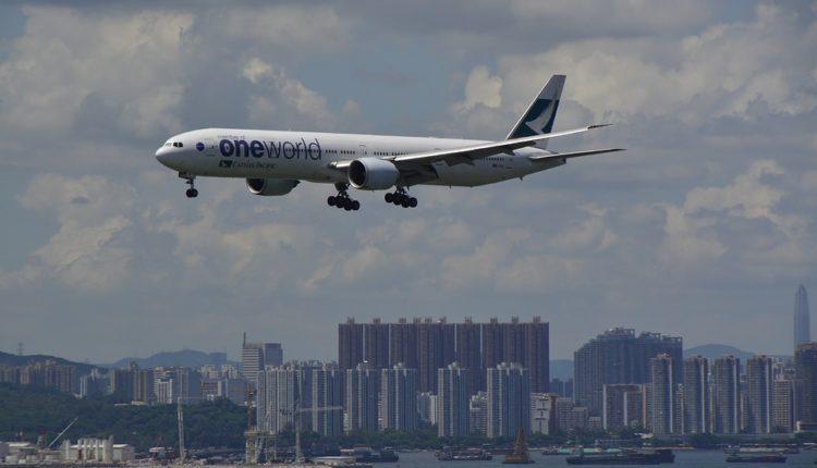 """Uhvatila ga panika: Otvorio vrata aviona da bi došao da """"svežeg vazduha"""""""