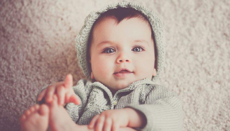 Dobro razmislite pre nego što objavite ovih 10 fotografija svog deteta na internetu