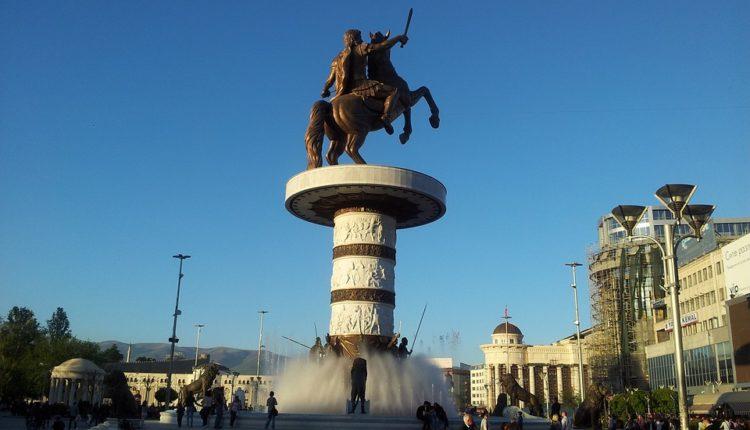 Tiranska platforma zavađa Makedonce, Albanci trljaju ruke
