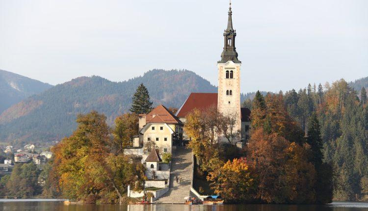 Slovenija uvodi karantin: Crni rekord zatvara gradove