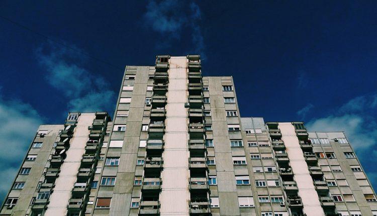 Živite u Srbiji i nemate krov nad glavom? Ova opština besplatno deli renovirane stanove i kuće