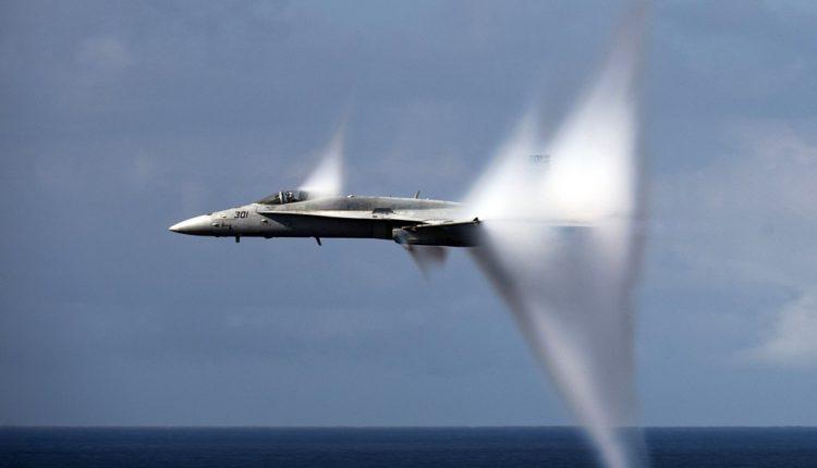 Pao američki lovac kod Floride, piloti se katapultirali