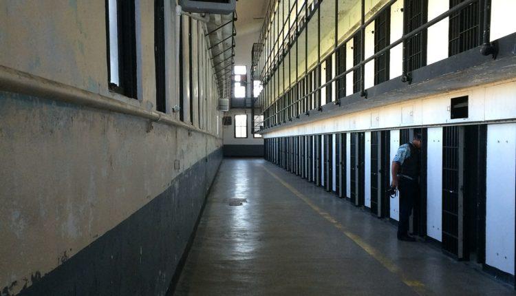 Nasilnici iz Beton hale se brane ćutanjem, određen im pritvor