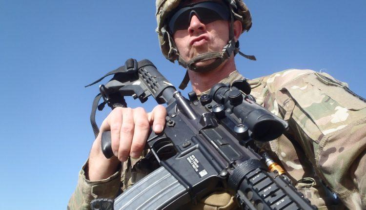 Pijani američki vojnici pravili haos na ulici i izazvali tuču, policija ih uhapsila