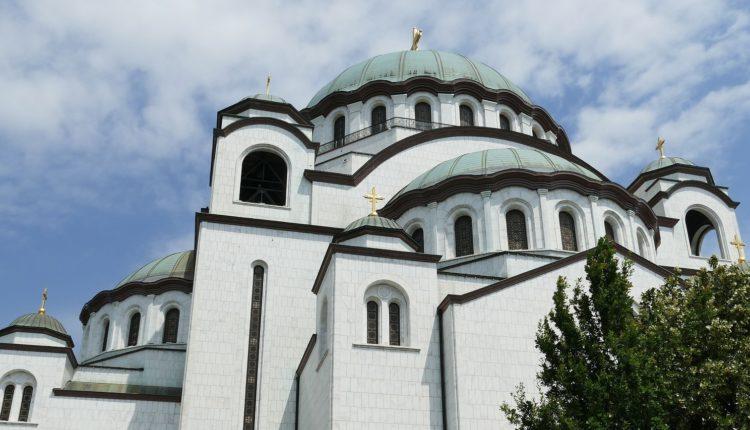 Upozoravajuće: Sukob crkve i države bio bi fatalan po Srbiju — opasniji od agresije