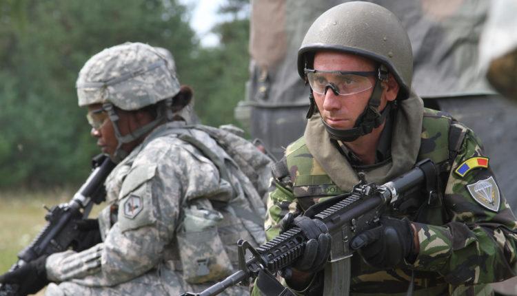 NATO bi da sa naslednicima nacista prodre do granica Rusije