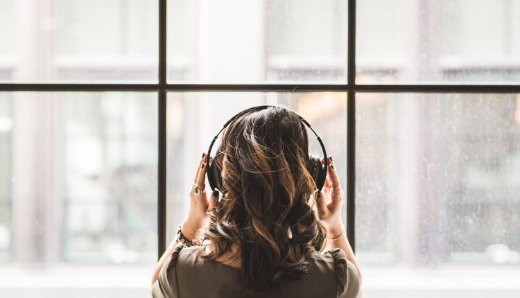 Oprez: Sve više mladih ima zujanje u ušima