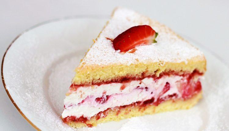 Recept dana: Sočna torta od jagoda za svaku priliku