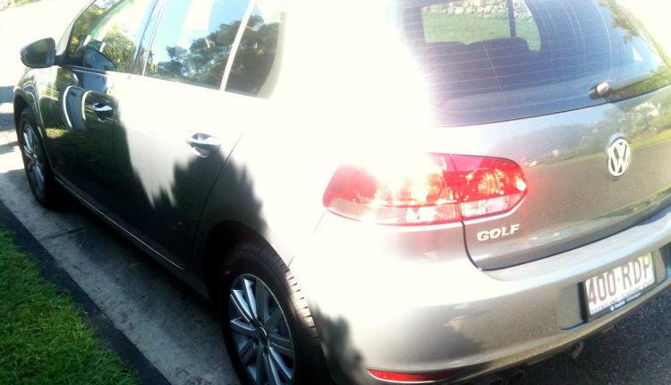 Automobili parkirani na suncu već za sat mogu biti opasni po život